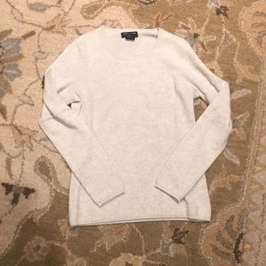 W's Lord & Taylor 100% Cashmere sweater, size M